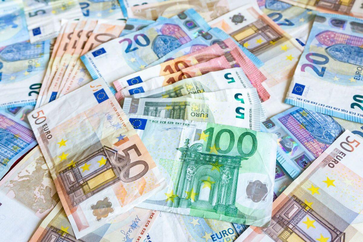Curs valutar – 9 decembrie